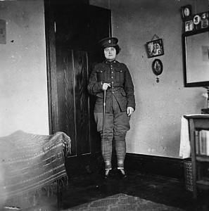 Soldier_in_uniform