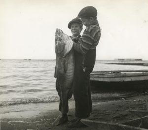 cdm.fisherman.1-0006060full